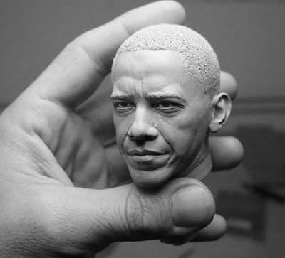 Miniescultura de Obama